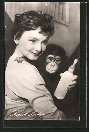 Ansichtskarte Schauspielerin Ingrid Andree mit Affenbaby im
