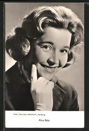 Foto-Ansichtskarte Alice Babs mit Handschuhen