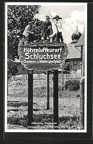 Ansichtskarte Wegweiser nach Schluchsee mit Holzschnitzereien