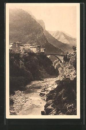 Carte postale St-Jean-La-Rivèrie, La Vésubie, vue partielle