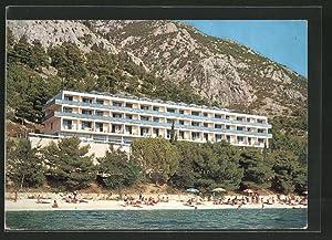 Ansichtskarte Gradac, Hotel mit Badegästen am Strand
