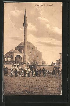 Ansichtskarte Skoplje / Ueskueb, Menschen vor der