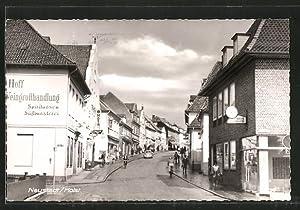 Ansichtskarte Neustadt, Strassenpartie mit Kreis-Sparkasse