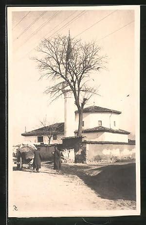 Ansichtskarte Prilep, Strassenpartie mit Minarett