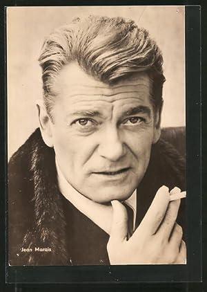 Ansichtskarte Schauspieler Jean Marais mit Zigarette in