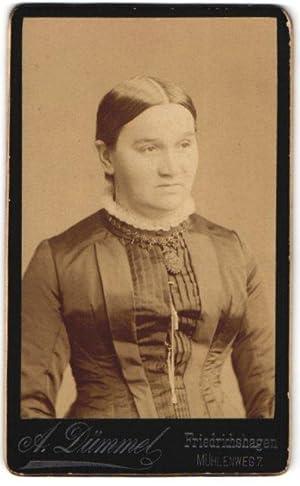 Fotografie A. Dümmel, Friedrichshagen, Portrait Dame mit