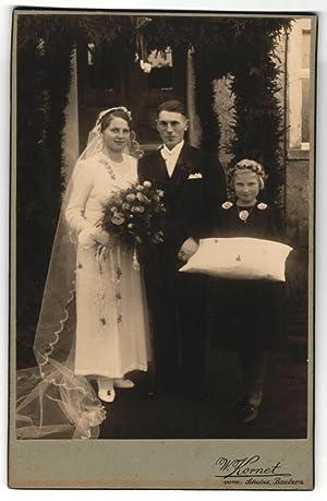 Fotografie W. Kornet, Bautzen, Portrait Brautpaar und
