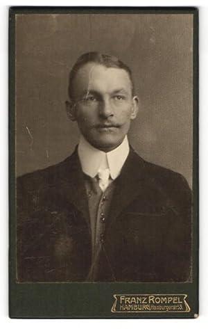 Fotografie Franz Rompel, Hamburg, Portrait bürgerlicher Herr