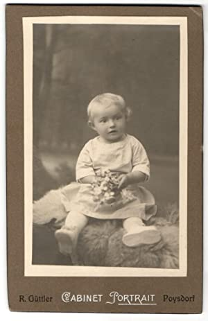 Fotografie R. Güttler, Poysdorf, niedliches Baby mit