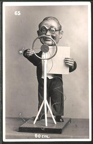 Fotografie Moderator-Figur mit Mikrophon 60cm Höhe, Katalog-Nr.