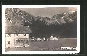 Cartolina Kasern, Ortspartie mit Bergen im Hintergrund