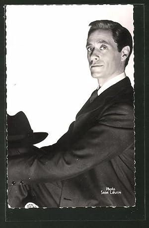 Ansichtskarte Schauspieler Mel Ferrer von der Seite