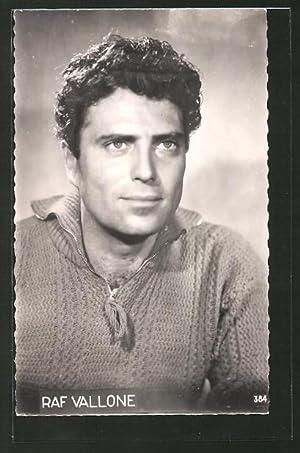 Ansichtskarte Schauspieler Raf Vallone im Pullover posierend