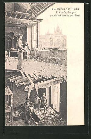 Carte postale Reims, ruines, Geschosswirkungen an den