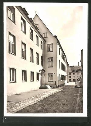 Ansichtskarte Würzburg, Strassenpartie am Haus Sankt Hildegard,