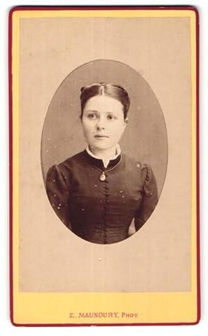 Photo E. Manoury, Angers, Portrait de Fräulein