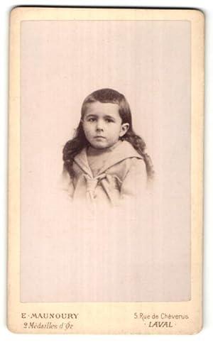 Photo E. Manoury, Laval, Portrait de Kind