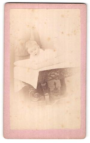 Fotografie Jacob Peters, Zürich-Hottingen, niedliches blondes Baby