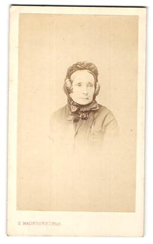 Photo E. Manoury, Paris, Portrait de Frau