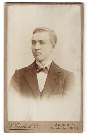 Fotografie J. Fuchs, Co., Berlin-N, Portrait junger
