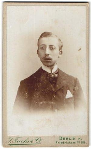 Fotografie J. Fuchs, Co., Berlin-N, Portrait bürgerlicher