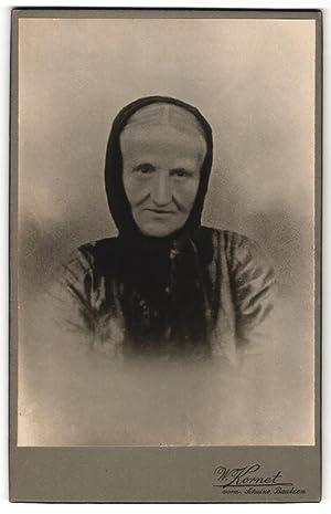 Fotografie W. Kornet, Bautzen, Portrait alte Frau