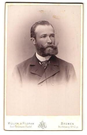Fotografie Müller, Pilgram, Bremen, Portrait bürgerlicher Herr