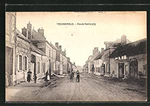 Carte postale Troissereux, Route Nationale
