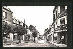Carte postale Bourbon-Lancy-Thermal, Rue du Commerce