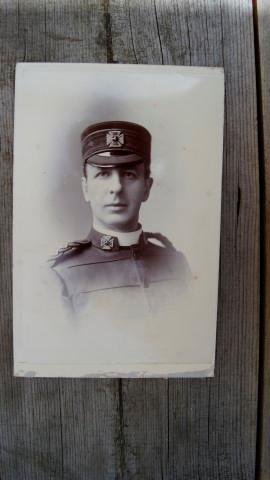 Army Chaplains' Department. A Late 19th Century Cabinet Portrait Photograph of a Lieutenant.