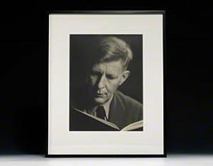 Photograph signed. Auden.: JACOBI Lotte AUDEN W. H.