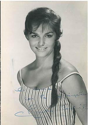 Fotografia dell'attrice con dedica e firma autografe: Cardinale, Claudia (1938)