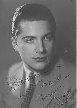 Fotografia originale con firma autografa e datata: Brazzi, Rossano (1916-1994)
