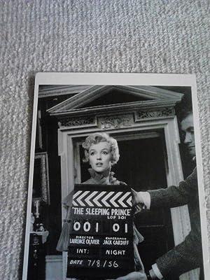 Marilyn Monroe (1926-62) [Sleeping Prince][Postcard]: Pomegranate Publications
