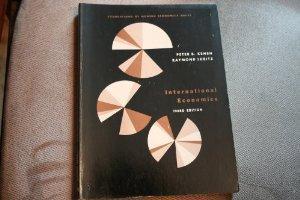 Introduction to Econometrics: Principles and Applications.: Harry H. Kelejian,