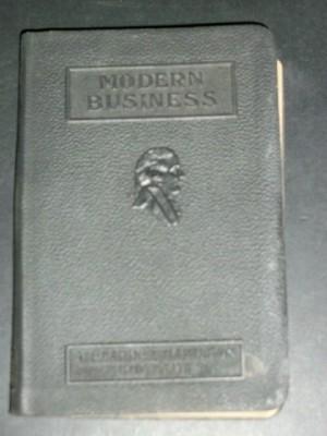 Office Management (Modern Business Volume 19): The Editors; Childs, Geoffrey S.; Clapp, Edwin J.; ...