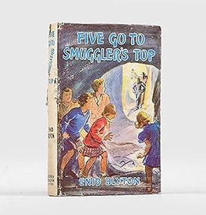 Five Go to Smuggler's Top.: BLYTON, Enid.
