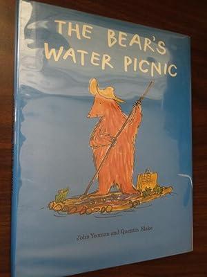 The Bear's Water Picnic: Yeoman, John