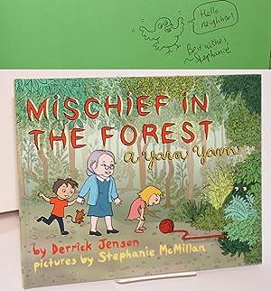 Mischief in the Forest: A Yarn Yarn: Jensen, Derrick and