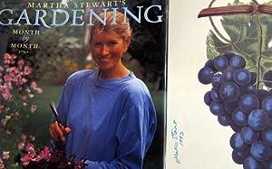 Martha Stewart's Gardening: Month by Month: Stewart, Martha