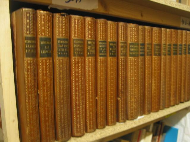 28 Bände (von 47). (= August Strindbergs: Strindberg, August: