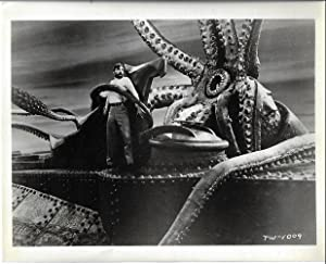 20,000 LEAGUES UNDER THE SEA (Movie Still)