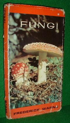 FUNGI , a Warne Zig Zag Book [ Toadstools & Mushrooms]