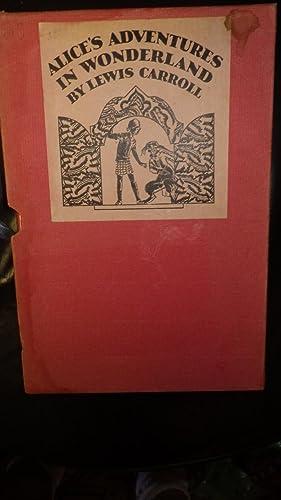 Alice's Adventures in Wonderland in Pink Slipcase: By Lewis Carroll,