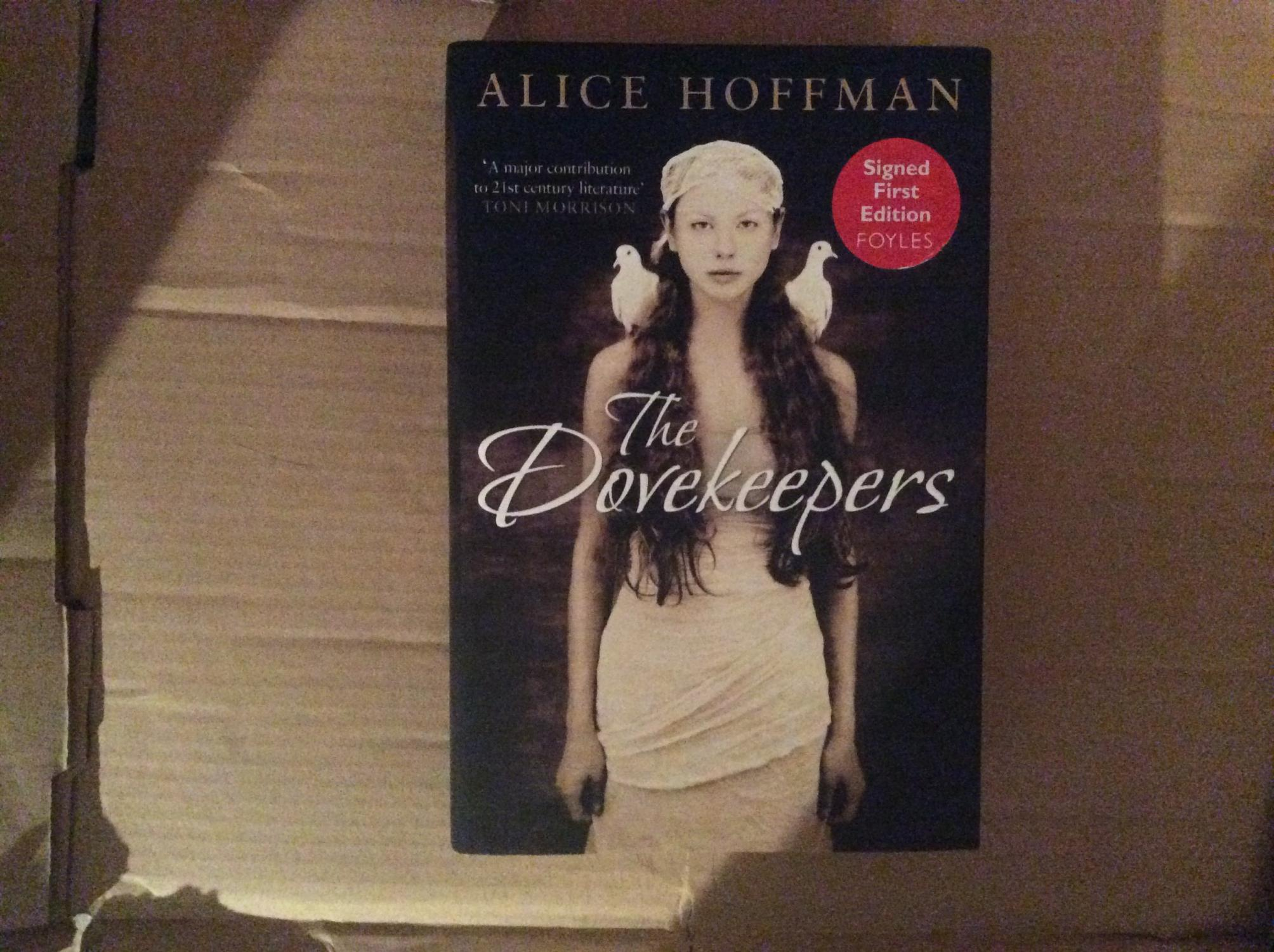 The_Dovekeepers_*****SIGNED_UK_HB_11*****_Hoffman_Alice_Très_bon_Couverture_rigide