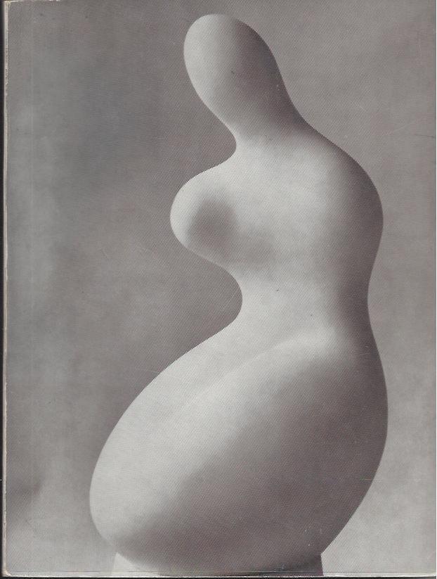 Arp - . Musée national d'art moderne, 21 février-21 avril 1962. Introduction par Jean Cassou. Une Ronde, poème inédit et textes choisis de J. Arp