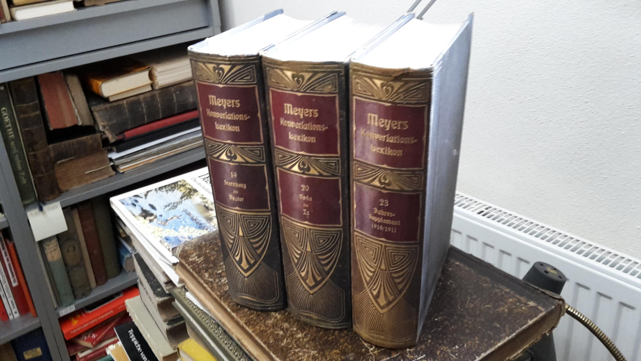 Konvolut mit 24 Büchern: MEYERS GROSSES KONVERSATIONS-LEXIKON,: ohne Autor,