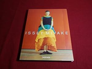 ISSEY MIYAKE* Mit sehr vielen Abbildungen. Kurzbeschreibung: 101149 Holborn, Mark