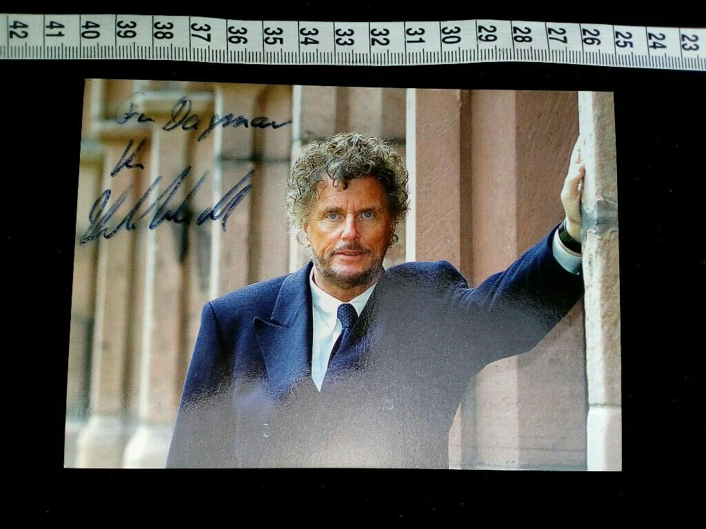 Autogrammkarte handsigniert. original hand signed autograph card with picture of the famous german TV and movie director.
