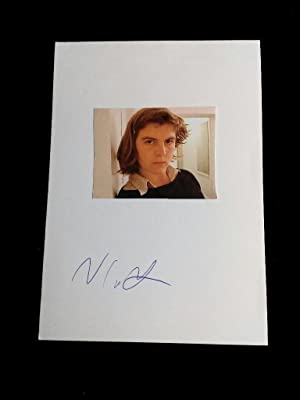 Signierte Postkarte 10x15cm mit Foto Handsigned postcard with a photograph of the author. US auth...